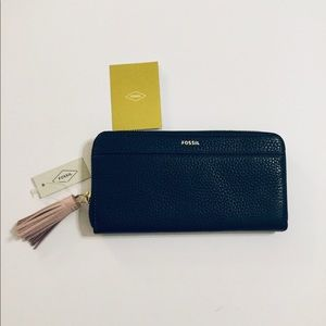 Fossil Tara Pebble Leather Black Clutch